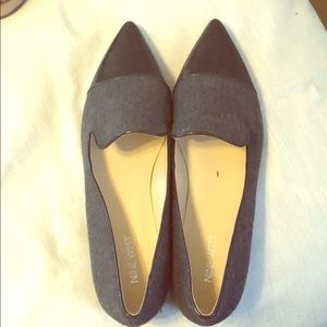 Nine West pointy black and grey tweed flats